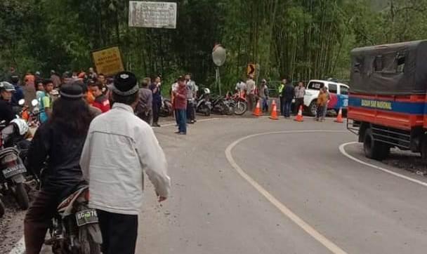 Inilah tikungan maut, yang membuat BUs Sriwijaya jatuh ke jurang sedalam kurang lebih 50 meter dan menewaskan 29 penumpangnya.