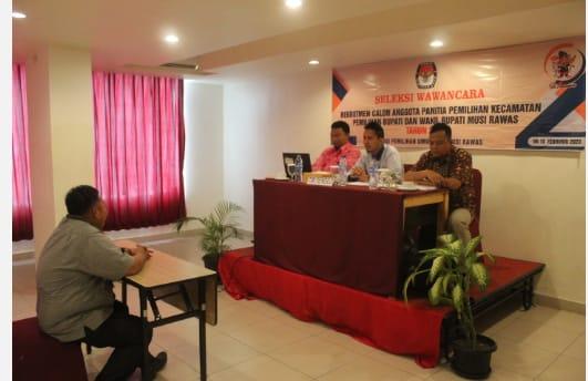 Suasana tes wawancara calon anggpa PPK Musi Rawas untuk Pemilihan Bupati - Wakil Bupati tahun 2020